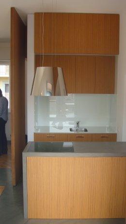 Abitazione in resina e legno 5