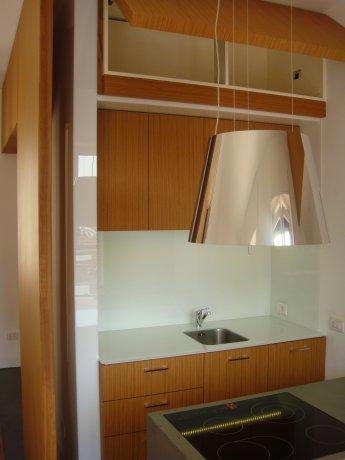 Abitazione in resina e legno 12
