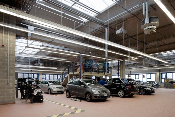 Centro veicoli commerciali Mercedes Benz 5