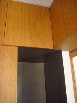 Abitazione in resina e legno 9