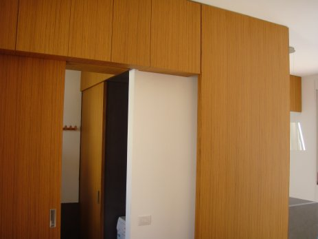 Abitazione in resina e legno 8