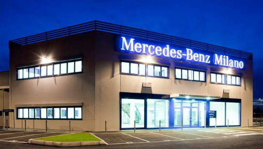 Centro veicoli commerciali Mercedes Benz 8